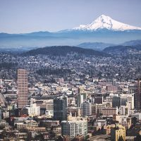 Portland,_OR_and_Mount_Hood_from_Pittock_Mansion